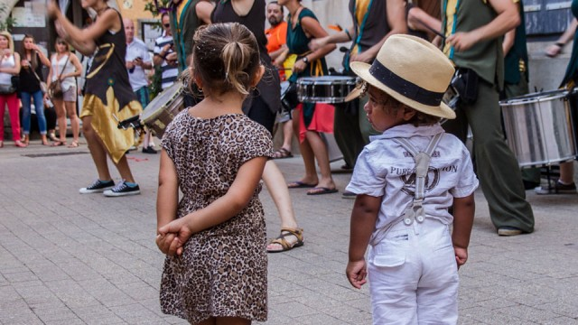 Papaya-Jam-Grup-nens-mirant-Galeria-29